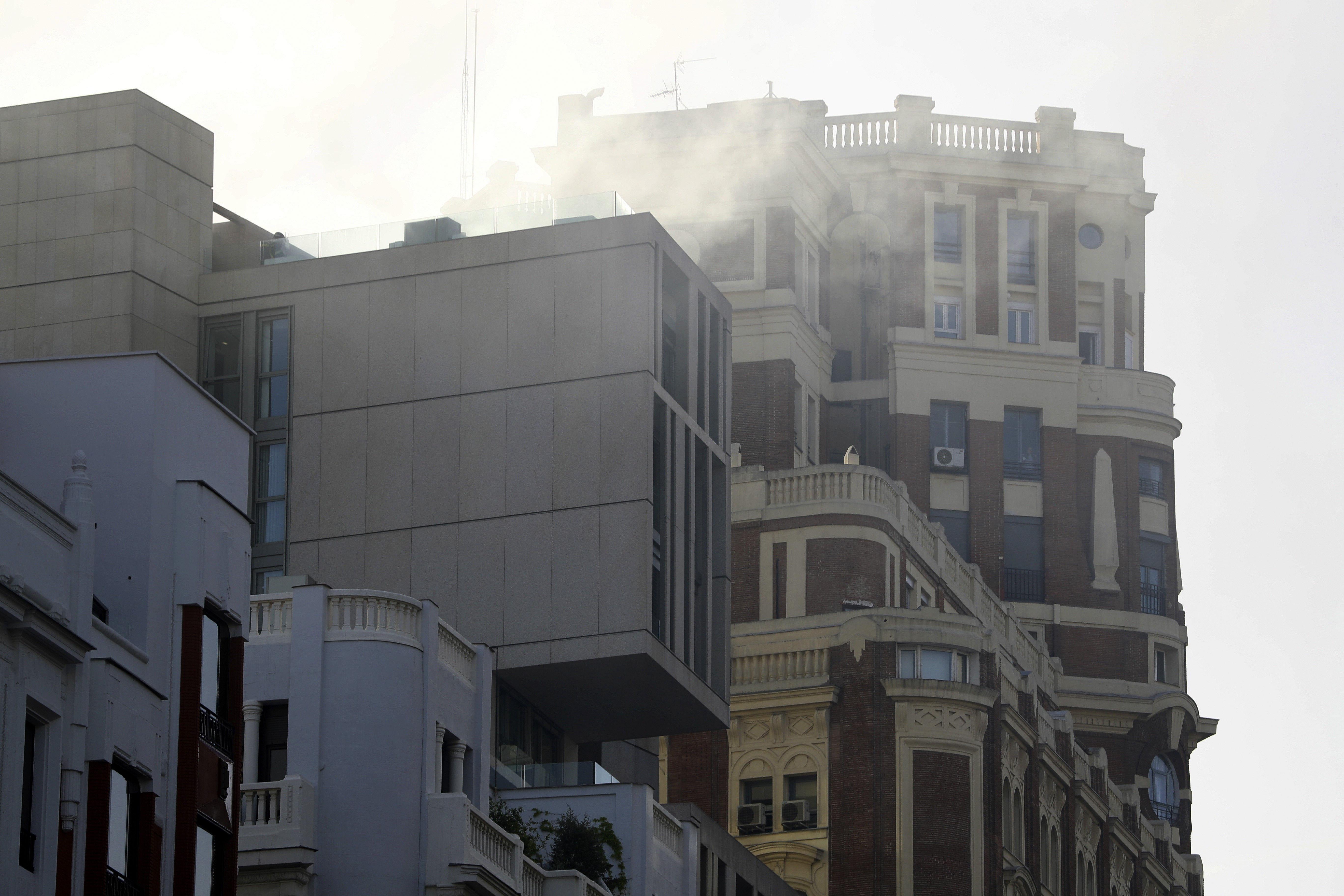 Incendio en un edificio de viviendas en la Gran Vía de Madrid