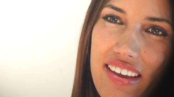 India Martínez canta per a EL PERIÓDICO el seu èxit 'Vencer al amor'