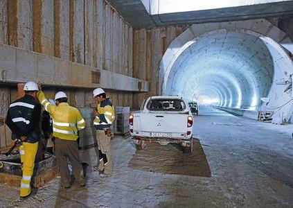 El túnel del Eixample espera ya las vías del AVE que llevarán a Europa