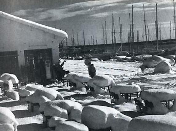 El temporal afect� a parte del litoral catal�n. En el puerto de Arenys de Mar dej� esta preciosa estampa.