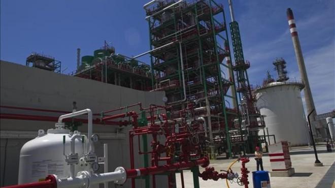 Refiner�a de Repsol en Cartagena.
