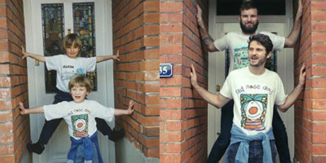 Los protagonistas de 'Then/Now', en la puerta de casa.