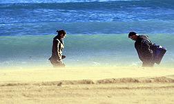 Fuerte viento en la playa de Barcelona, el a�o pasado.