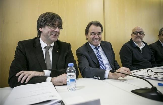 El President Puigdemont y Artur Mas en la reunión de la ejecutiva de Convergència