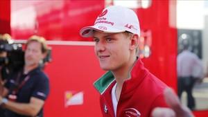 Mick Schumacher recordará a su padre en el circuito de Spa