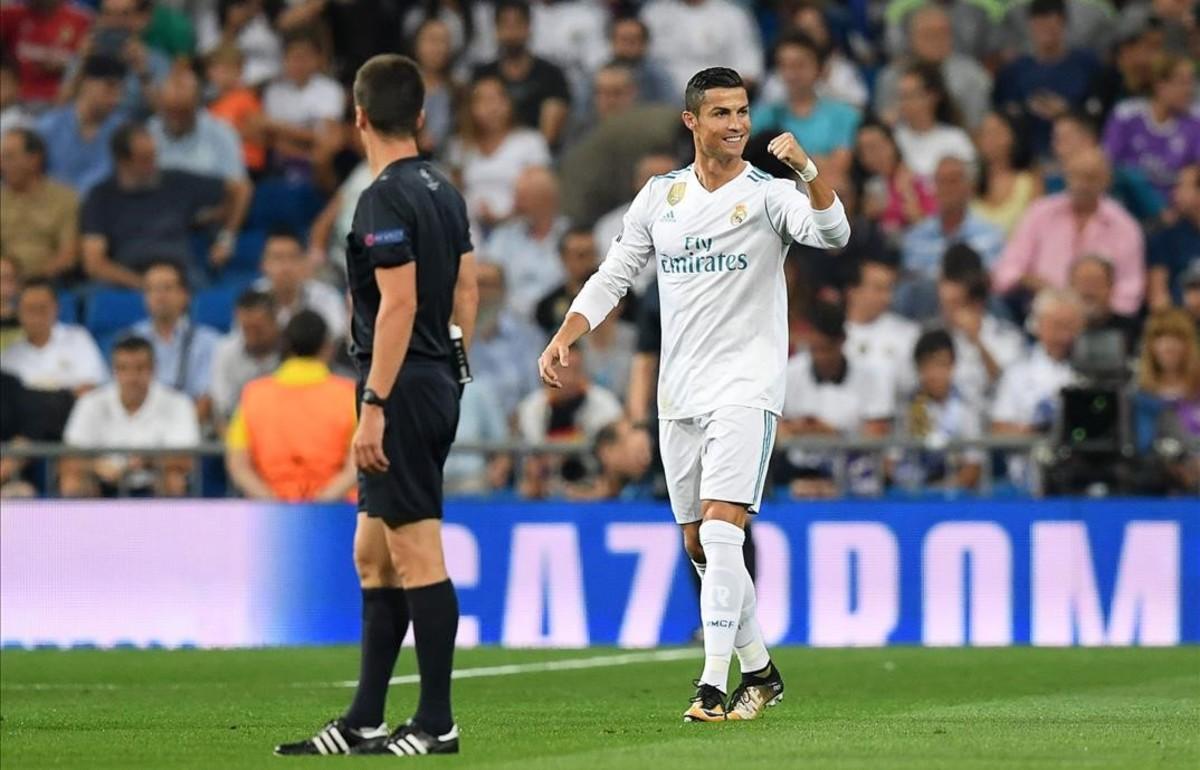 Cristiano Ronaldo celebra el primer gol frente al Apoel