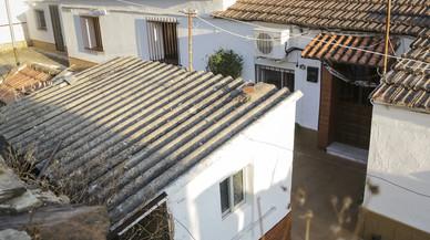 Quatre nens conviuen cinc dies amb els cadàvers de la seva mare i la seva parella a Huelva