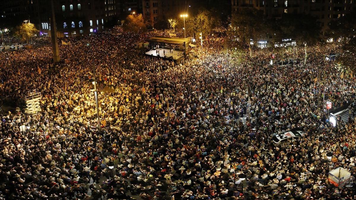 Concentración en Barcelona en apoyo a Jordi Sànchez y Jordi Cuixart.