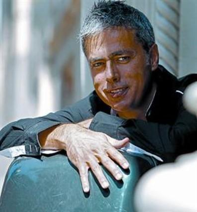 Albert Om pasa el fin de semana con 13 famosos en 'El convidat'