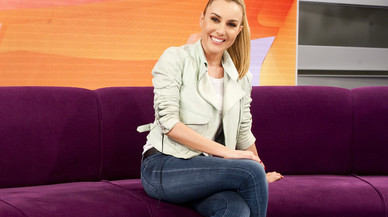 La periodista Berta Collado, presentadora de la edici�n estival de la tertulia de TVE-1 'Amigas y conocidas'.
