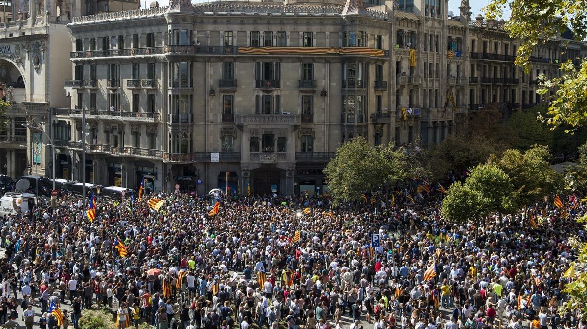 Concentración frente a la Conselleria d'Economiai Finances de la Generalitatde Catalunya.