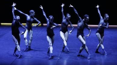La sofisticada dansa del Dresden Frankfurt Dance Company inaugura el Grec