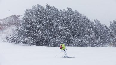 Les nevades animen la pujada de gener a les estacions d'esquí