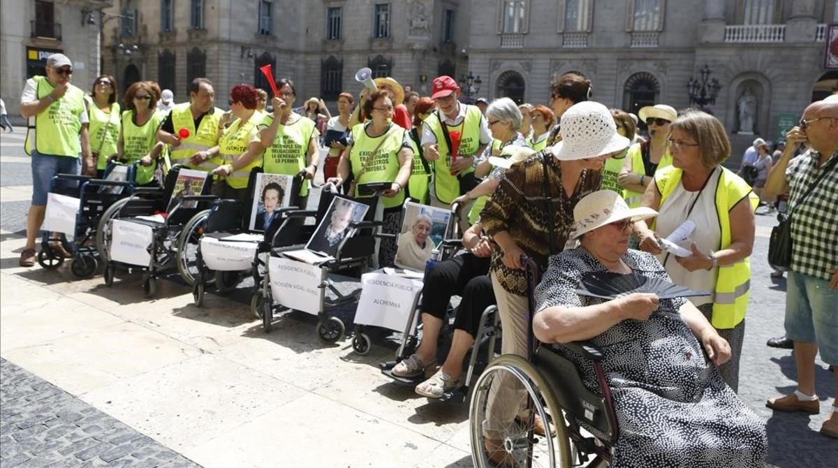 Barcelona pide al govern que vuelva a adjudicar 5 geri tricos - Residencia laia mataro ...