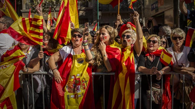 El 'no' a la independencia vuelve a mostrar músculo en Barcelona