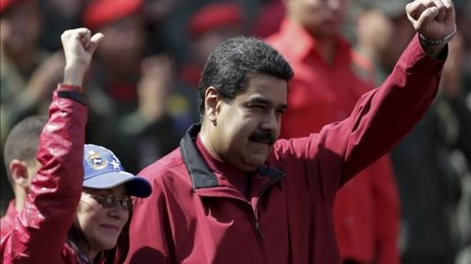Nicol�s Maduro con su esposa en Caracas.