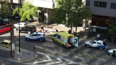 Un home tiroteja la seva dona i la seva filla al mig del carrer a Saragossa