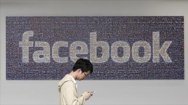 Facebook castiga el negoci de les notícies falses