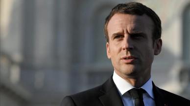 Macron compleix 100 dies entre el daltabaix i les autolloances