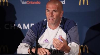 Zidane da explicaciones en rueda de prensa tras la derrota ante el PSG.