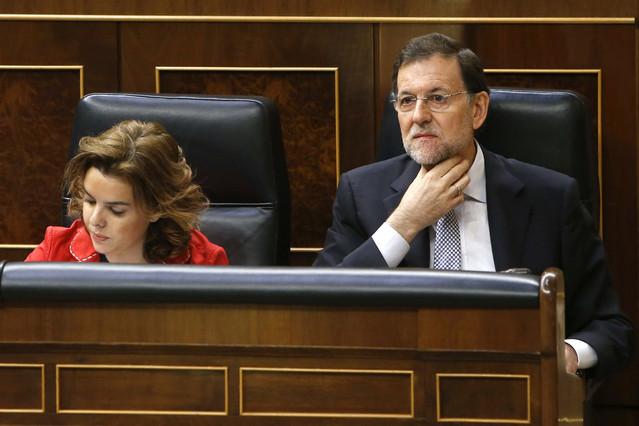 Soraya Sáenz de Santamaría y Mariano Rajoy, el miércoles, en el Congreso.  Javier Lizon | EFE