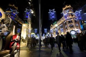 Compres nadalenques al Portal de lÀngel de Barcelona.