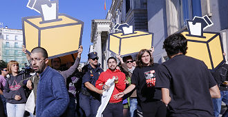 Momento del desalojo en Madrid.