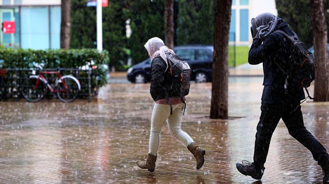 El fred i la pluja marcaran la jornada d'avui