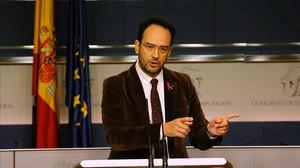 El portavoz socialista, Antonio Hernando, este jueves en el Congreso.