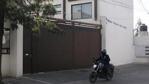 Exterior de la casa donde fue asesinado el empresario espanol Segismundo Diaz Martin, en Puebla