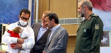 Ahmadineyad se ofrece como primer astronauta de Irán