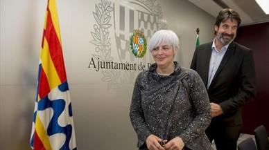 """La alcaldesa de Badalona replica a Colau que """"hay alternativas"""" para proteger a los funcionarios el 1-O"""