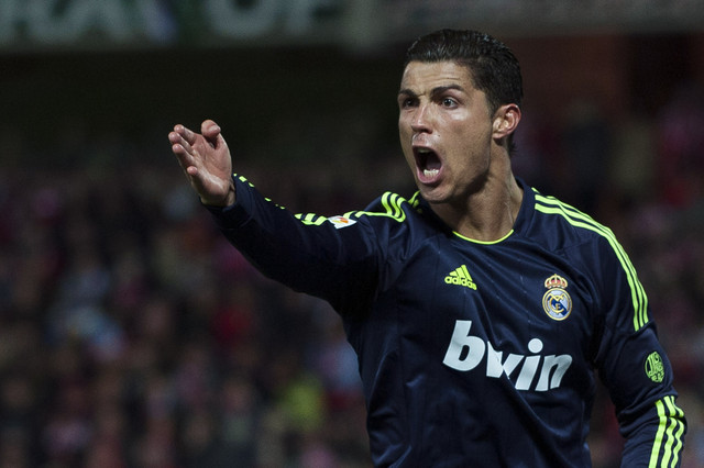 El Madrid certifica su adiós a la Liga con su quinta derrota