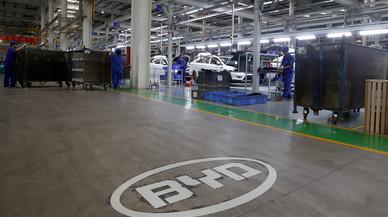 La Xina deixarà de fabricar cotxes de gasolina i dièsel