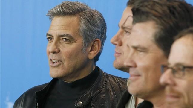 George Clooney, Channing Tatum, Josh Broslin y Ethan Coen, en Berl�n durante la presentaci�n de '�Ave C�sar!'