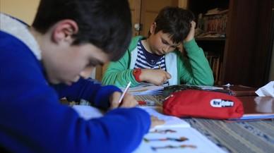 Les famílies impulsen el primer boicot als deures escolars