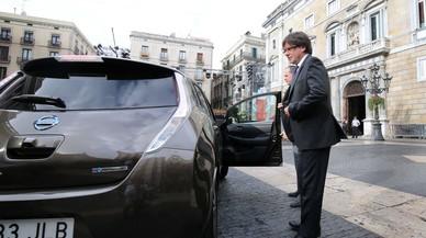 Puigdemont opta por acudir en un veh�culo el�ctrico a la Generalitat en el D�a sin Coches