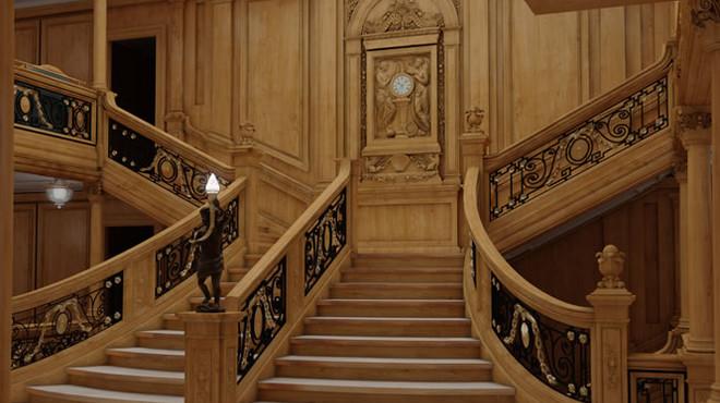 R�plica de la gran escala central del 'Titanic', para los pasajeros de primera clase.