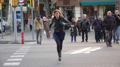 Cristina Blanco corre en una escena de la pel�cula 'Ahora no puedo', de Roser Aguilar.