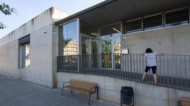 Entrada de la guardería municipal de El Morell.