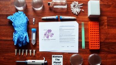 Kit para crear bacterias transgénicas en casa con la tecnologia CRISPR,comercializado por la empresa laboratorio The Odin.