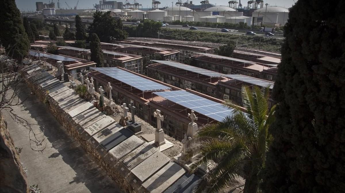 Barcelona prev duplicar la energ a solar municipal en 2 a os for Placas solares barcelona