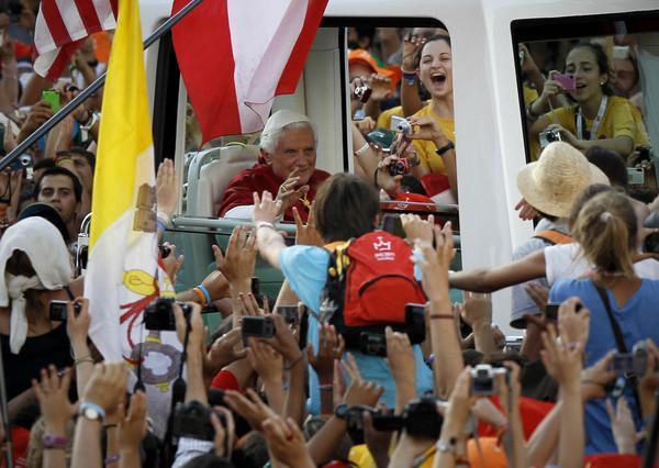 El Papa Ratzinger ante la opinión de los colectivos eclesiales españoles