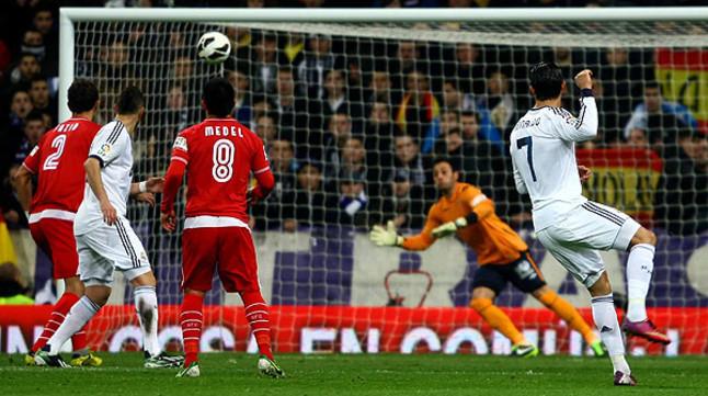 El madrid golea al sevilla antes de enfrentarse al united for Madrid sevilla marca