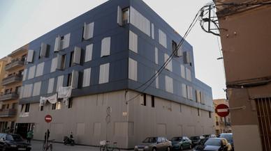 Més de la meitat de pisos cedits per la banca a la Generalitat han hagut de ser reformats