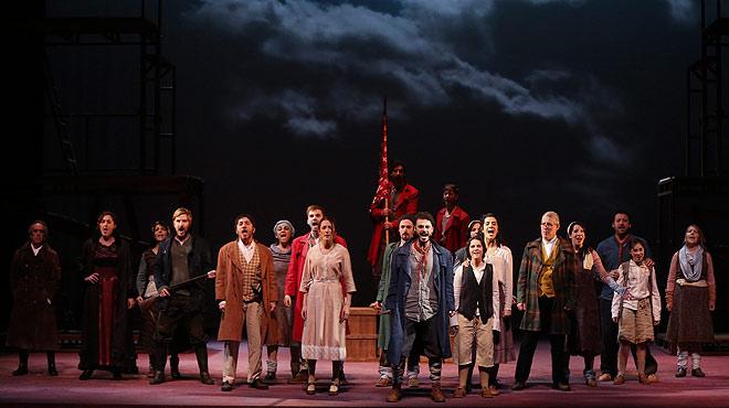 El musicalFang i setgese estrena en el teatro Vict�ria deBarcelona. El director del montaje, Marc Angelet, comenta la obra.