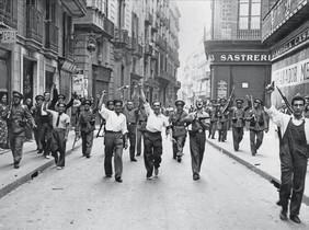 Milicianos en la calle Ample, durante la revoluci�n de julio de 1936