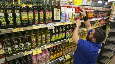 El preu de l'oli d'oliva es dispara el 8% als supermercats