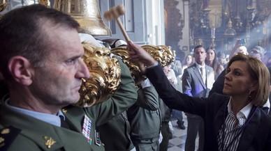 El PSOE demana explicacions a Cospedal per hissar les banderes a mig pal per Setmana Santa