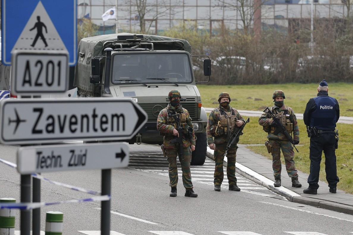Nuevas operaciones policiales confirman los v�nculos entre las tramas de Par�s y Bruselas